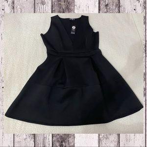 🎀NEW🎀 BOOHOO Scuba V Sarah Dress